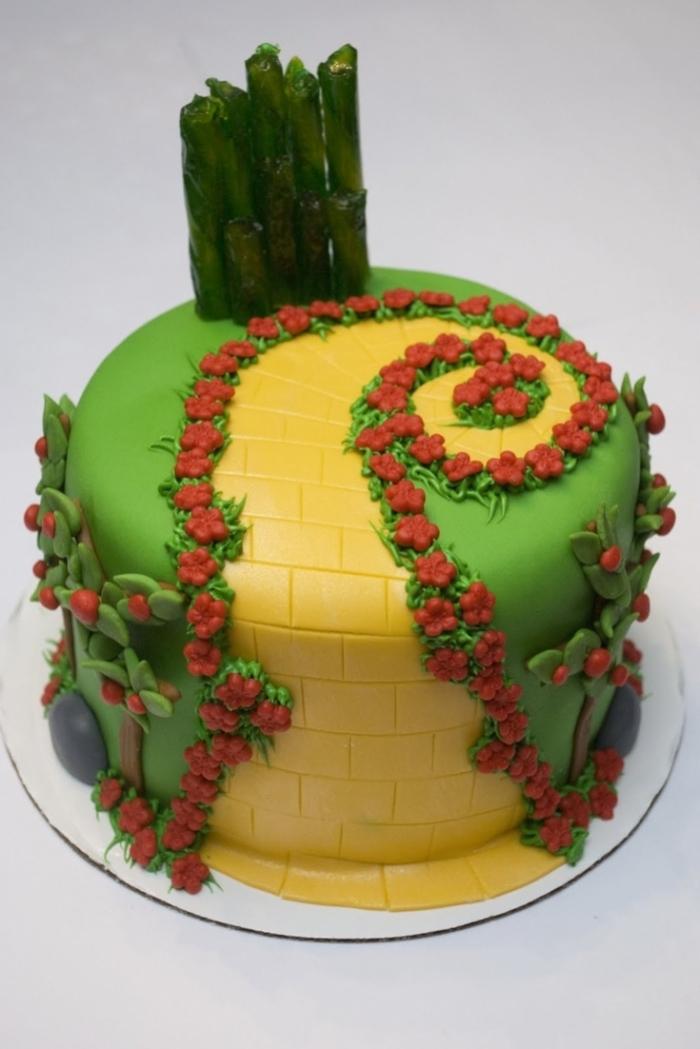 Cake Design Pour Une All 233 E Avec Des Fleurs Et Des Arbres