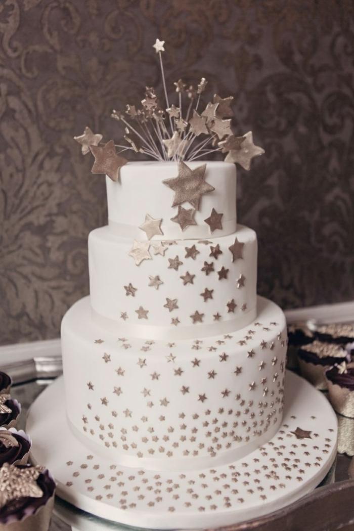 Gateau d\u0027Anniversaire , gâteau d\u0027anniversaire étoiles