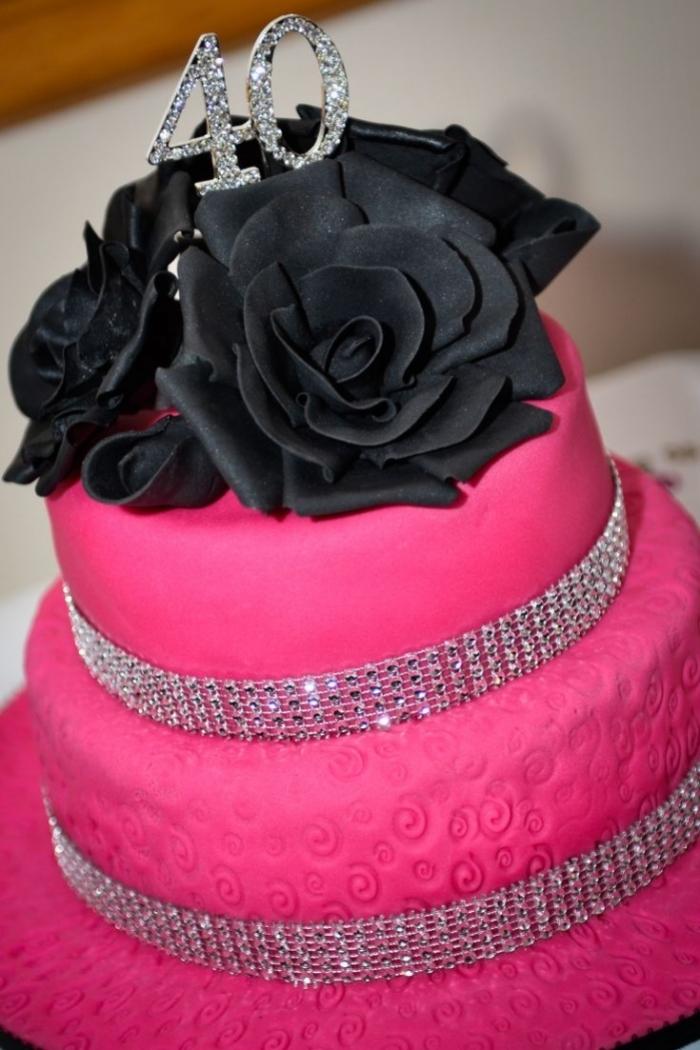g teau rose et noir avec des strass pour un anniversaire girly 24 10 2018. Black Bedroom Furniture Sets. Home Design Ideas