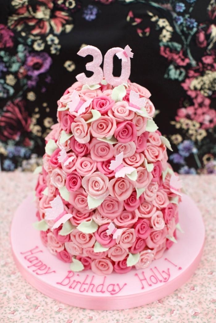 Gateau d\u0027Anniversaire , gâteau d\u0027anniversaire avec plien des roses de 2  couleurs