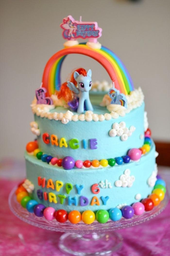 Super Joli cake design avec des perles colorées et un arc en ciel my  GV22