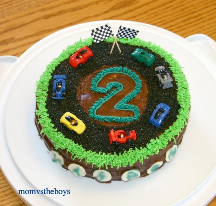 Relativ Gâteau d'anniversaire en forme de circuit avec des voitures de  CY21