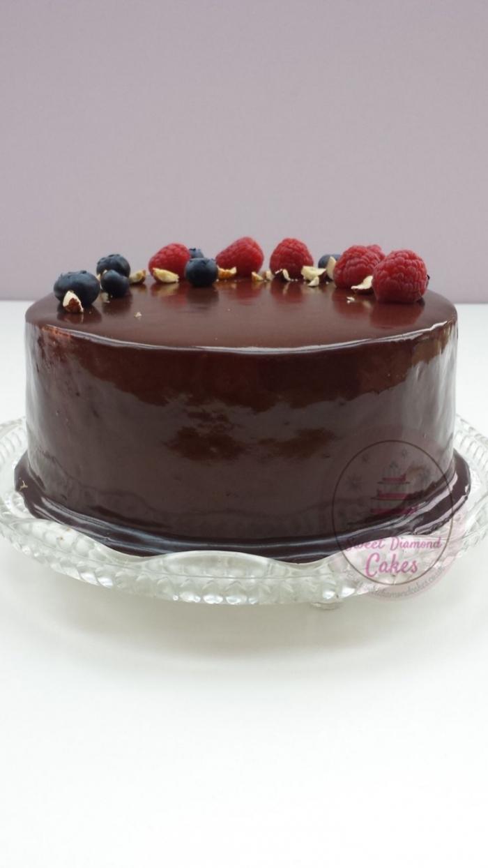 G teau au gla age miroir de chocolat avec des fruits - Glacage miroir chocolat ...