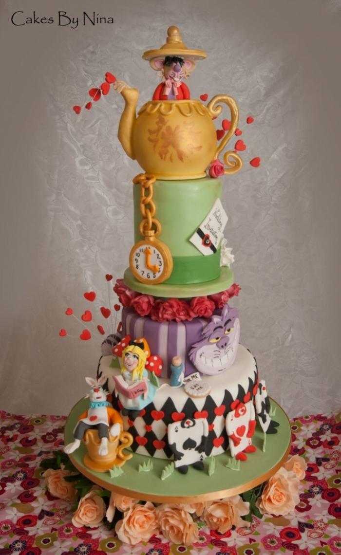 Gateau Alice Aux Pays Des Merveilles pour superbe cake design d'alice au pays des merveilles - 04/05/2018