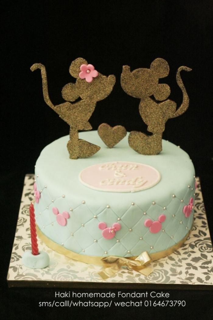 Gateau d 39 anniversaire disney mickey et minnie amoureux 10 07 2018 - Gateau anniversaire disney ...