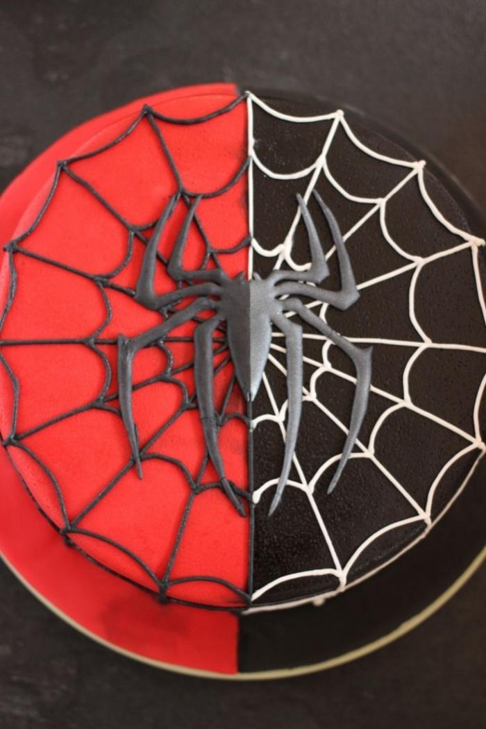 g teau spider man rouge et noir 24 09 2018. Black Bedroom Furniture Sets. Home Design Ideas