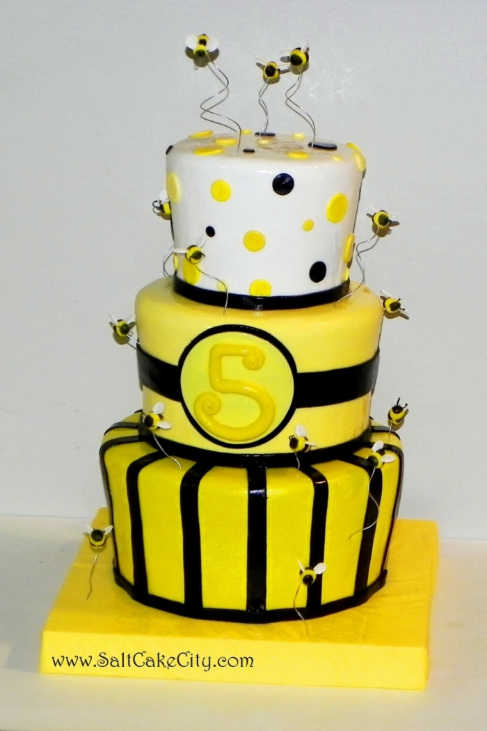 decoration gateau jaune