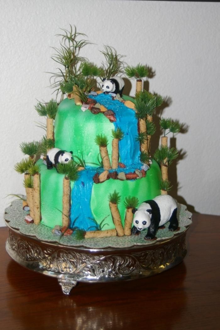 g teau du zoo des pandas au d cor de bambous et de cascade d 39 eau 25 09 2018. Black Bedroom Furniture Sets. Home Design Ideas