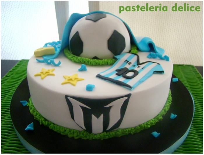 Gateau pour Garçon , gâteau sur le thème football avec ballon et maillot