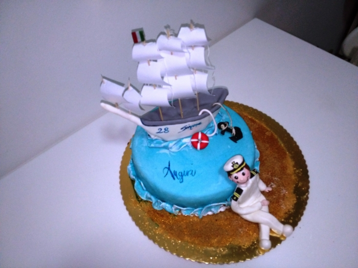 gâteau bleu avec son voilier et son capitaine - 13/01/2018