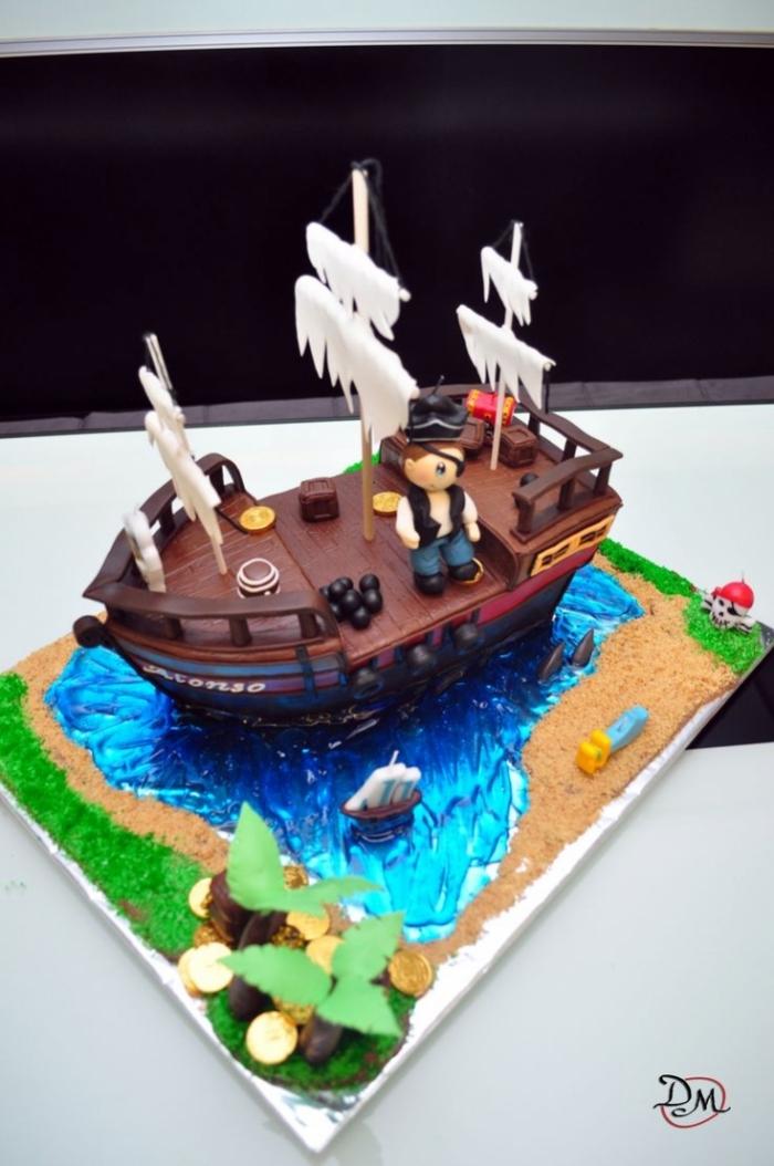 Petit G 226 Teau Au Chocolat En Forme De Bateau De Pirates