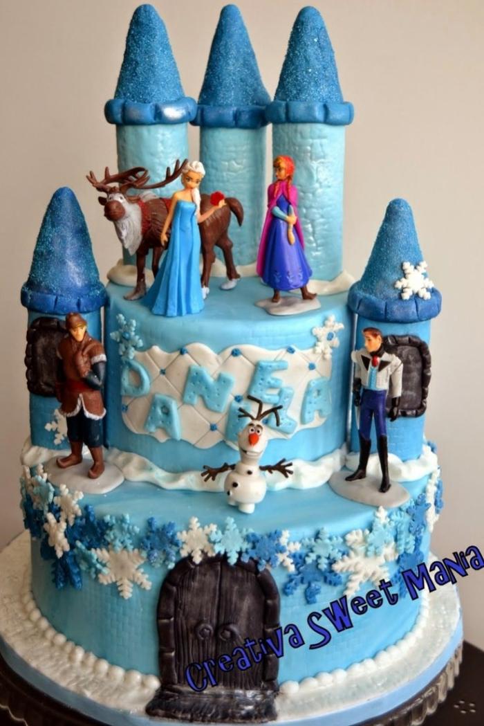 G teau en forme de ch teau de la reine des neiges avec les - Chateau de la reine des neige ...