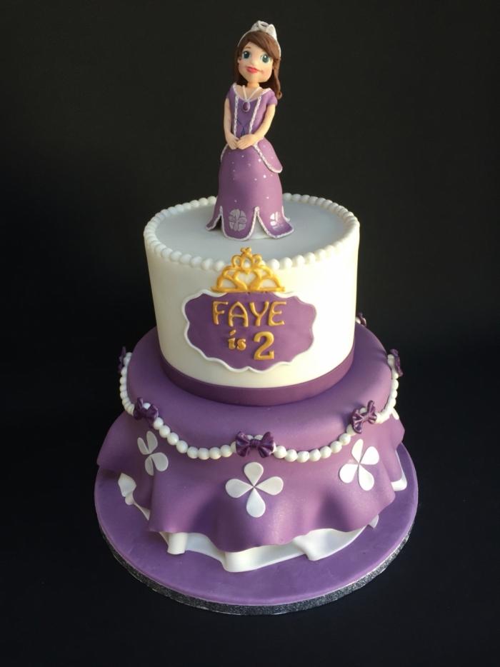 Cake Design De La Princesse Sofia Sur Deux Etages 17 03 2019