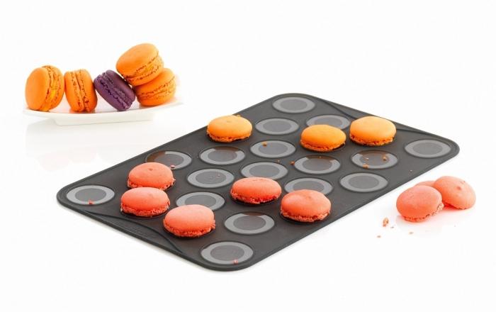 Appareil à Macaron - 2 Feuille de Cuisson pour Petits Macarons 25 Moules Mastrad F45514